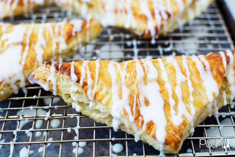 quick-easy-peach-turnovers-recipe-01