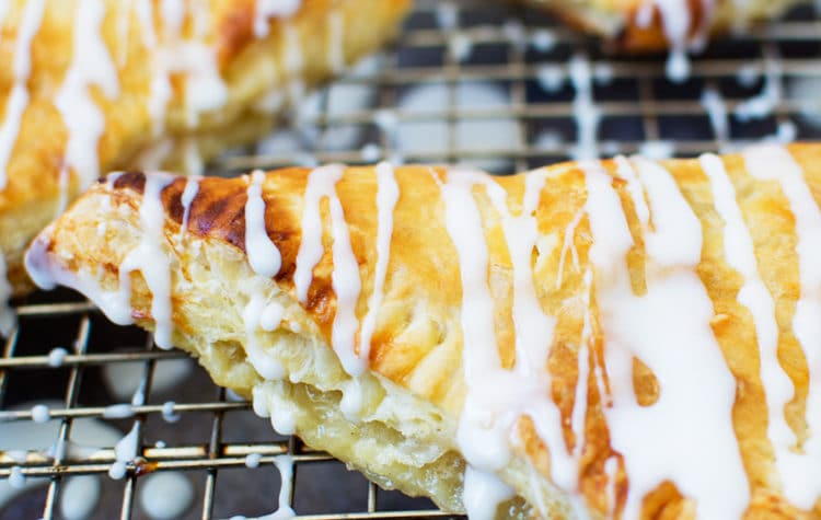 easy-peach-turnovers-featured