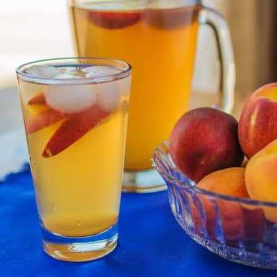 How to Make Fresh Peach Green Tea