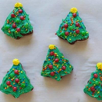 How to Make Easy Christmas Tree Brownies using a Cookie Cutter