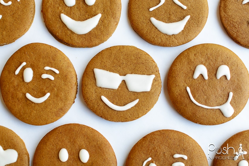 These Gingerbread Emoji Cookies Might Look Like a New Tradition