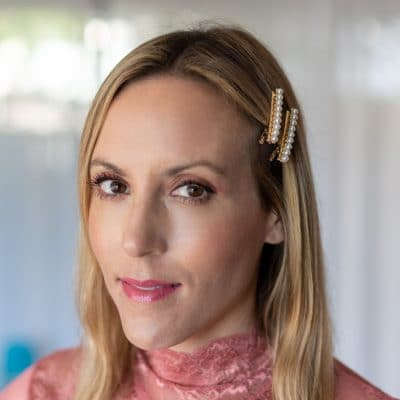 This is Why Pearl Hair Clips Are a Must For Fall