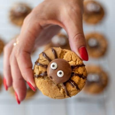 These Halloween Spider Cookies Are Really Easy to Make