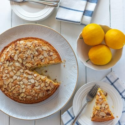 How to Make Almond and Lemon Olive Oil Cake