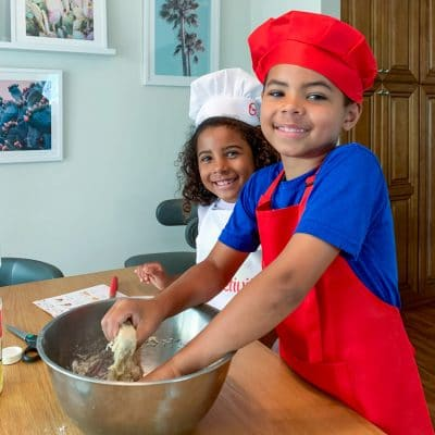 Here are the 8 Benefits of Baking with Kids