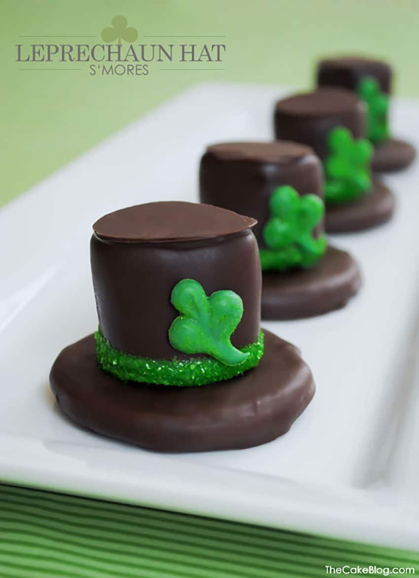 These leprechaun hat s'mores are adorable and yummy.