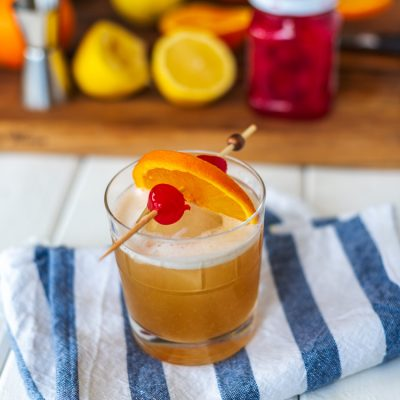 An Easy Amaretto Sour Cocktail Recipe for National Amaretto Day
