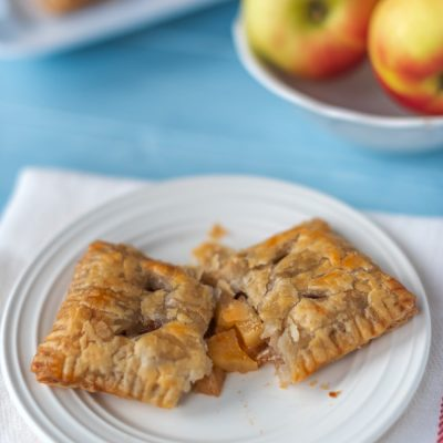 How to Make Impressive Mini Apple Pies with Puff Pastry