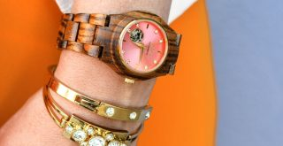 fashion trend wood watches and wood accessories