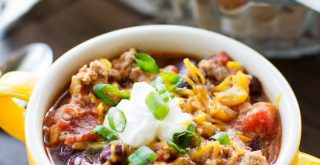 healthy-crock-pot-turkey-chili-featured