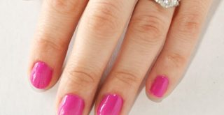 busy-mom-at-home-manicure-featured